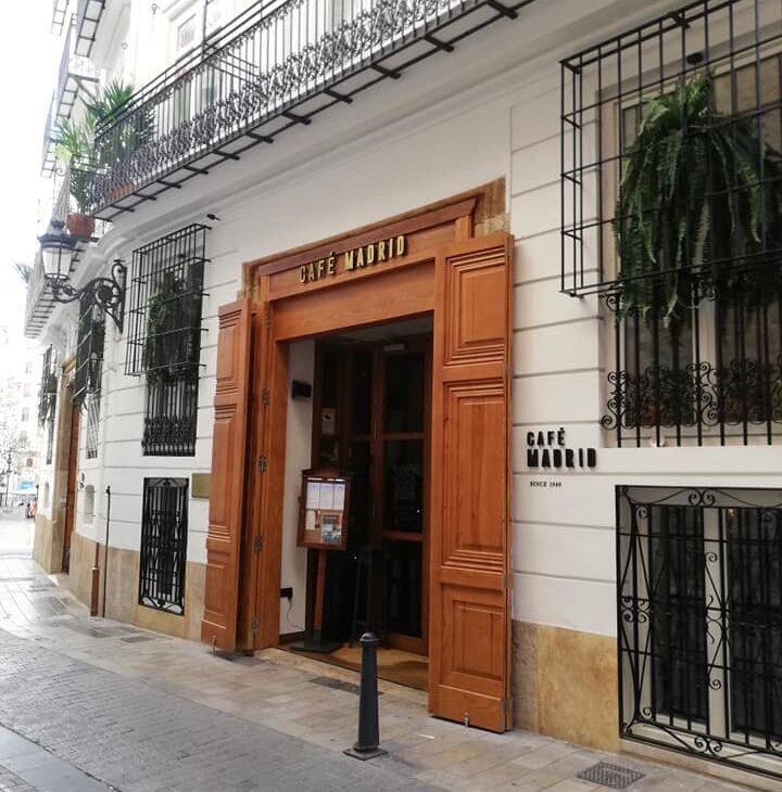 DESAYUNO EN EL CAFÉ MADRID